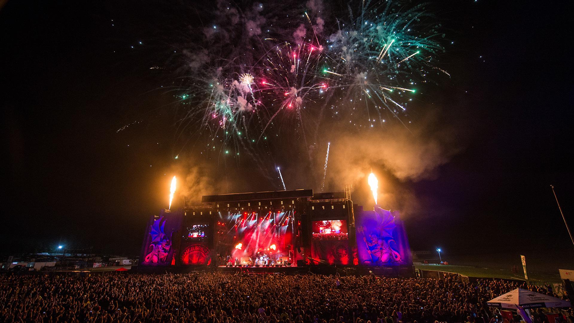 In Extremo: Feuerwerk nach 1000. Auftritt